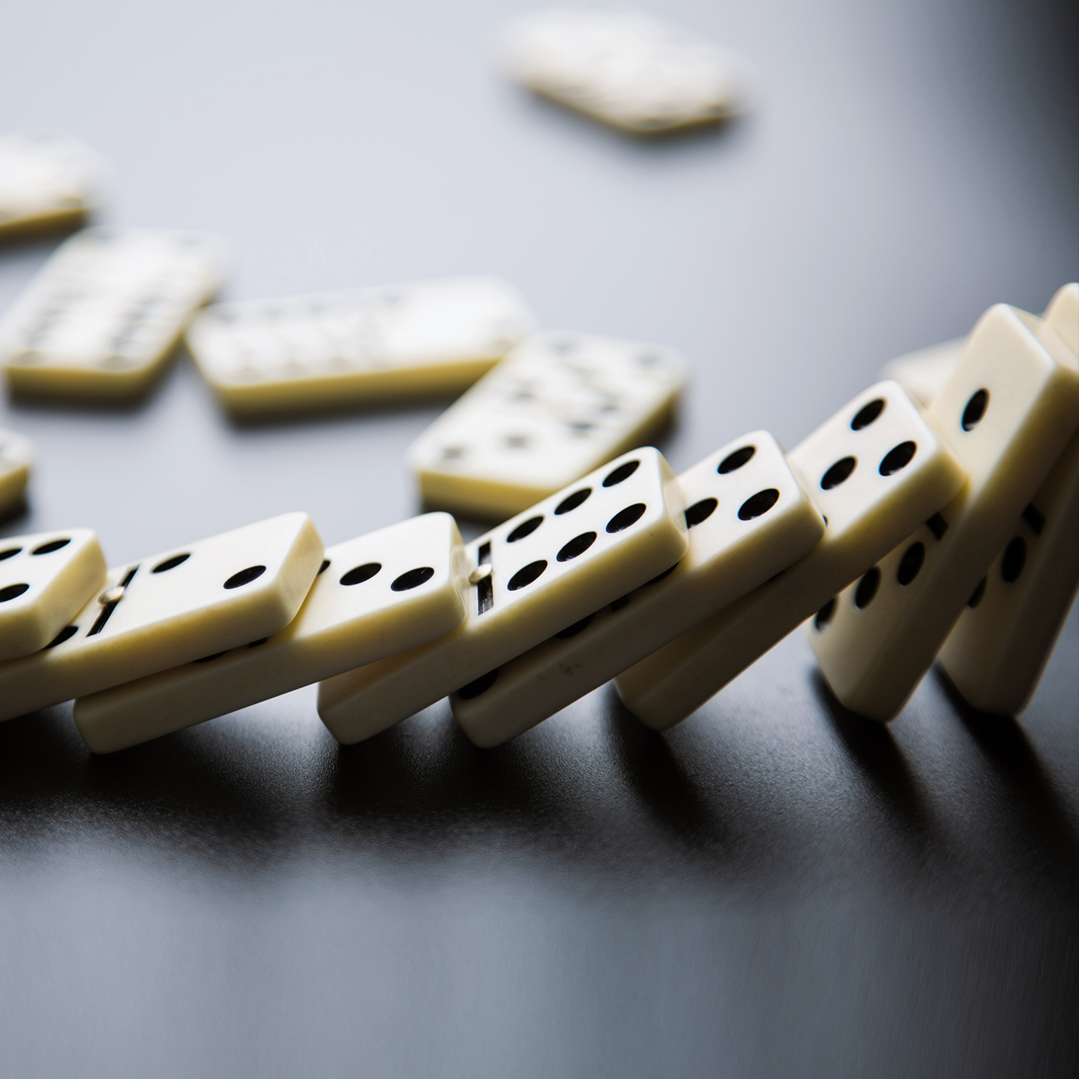 the-domino-effect:-how-sales-leaders-are-reinventing-go-to-market-in-the-next-normal